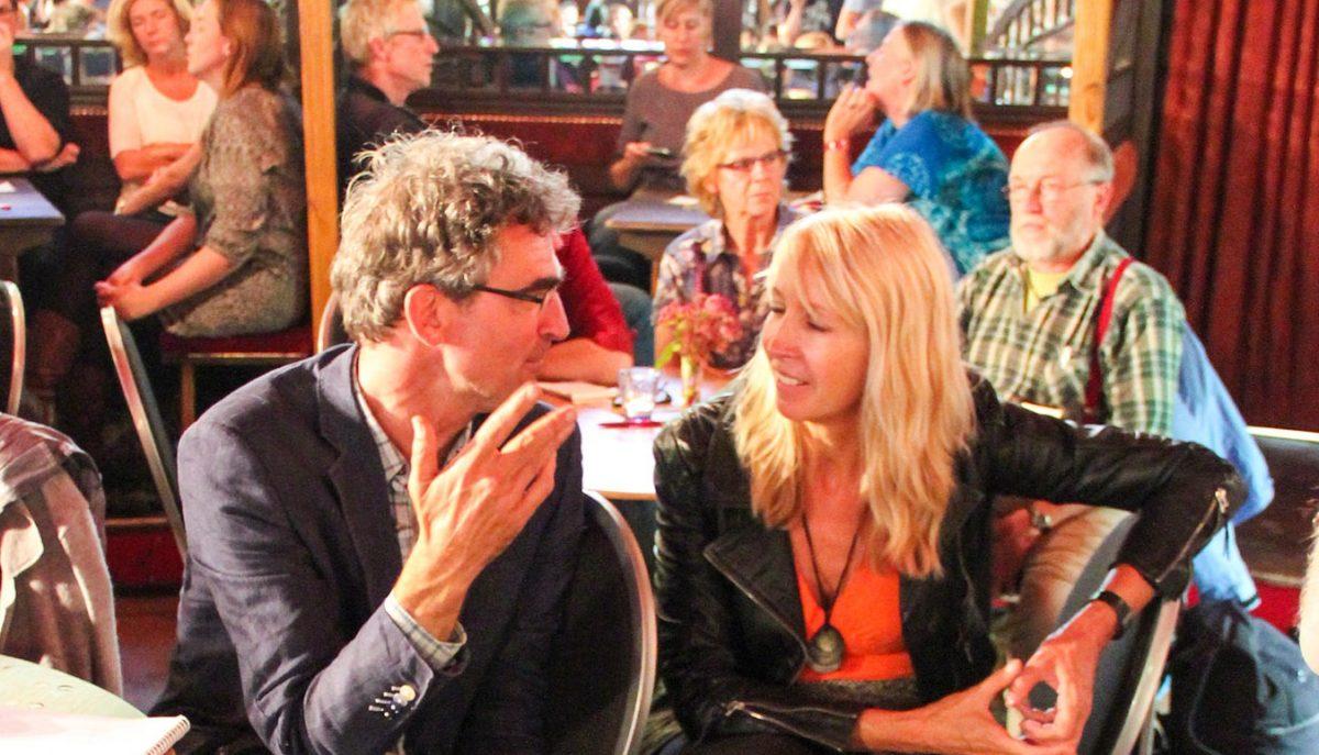 Loek Groot in gesprek met Liesbeth van Tongeren.